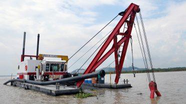 Ecuador construye la segunda fase del dragado del río Guayas