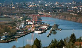 Peri trabaja en un proyecto fluvial en Alemania